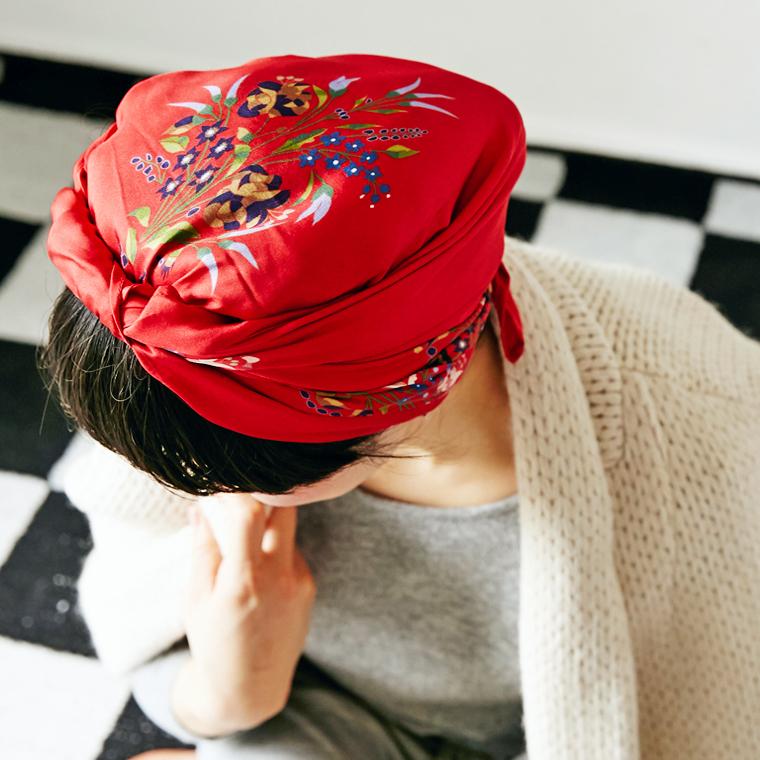 Mannequins JAPON(マヌカンズ ジャポン) ボタニカルシルクスカーフ