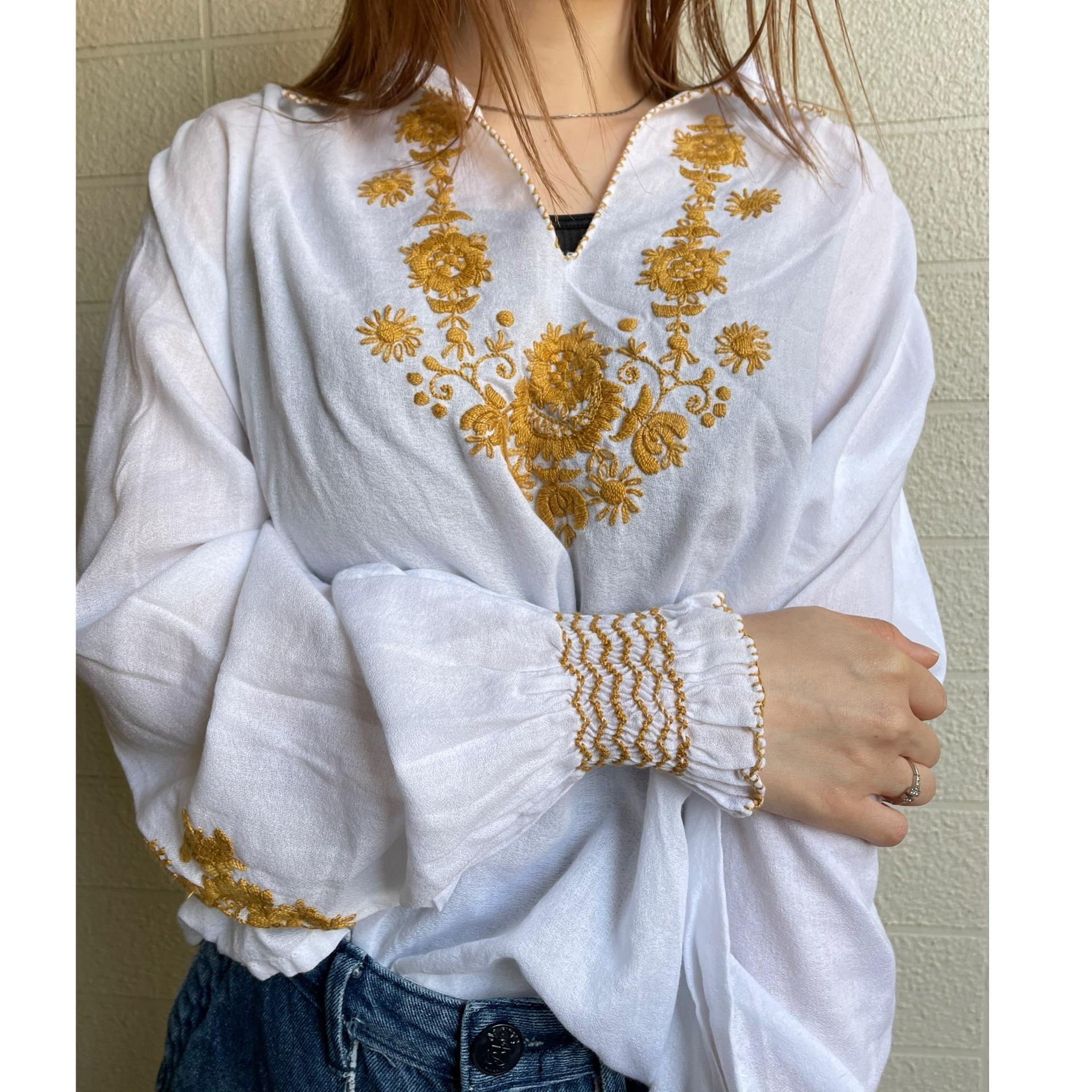 EURO embroidery skipper blouse