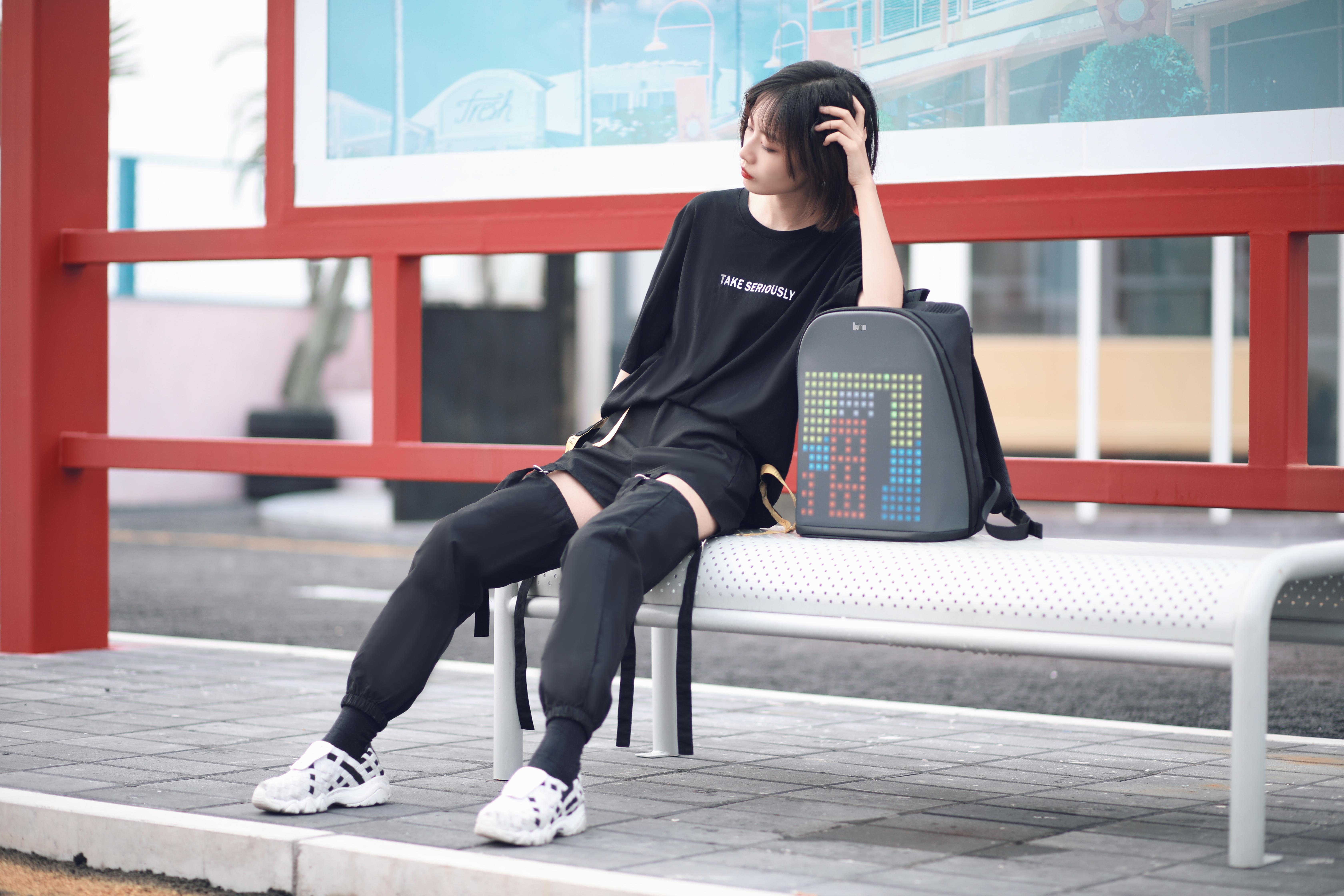 【受注販売商品】PIXOO BACKPACK  BLACK【ピクセルアートバックパック】/ DIVOOM