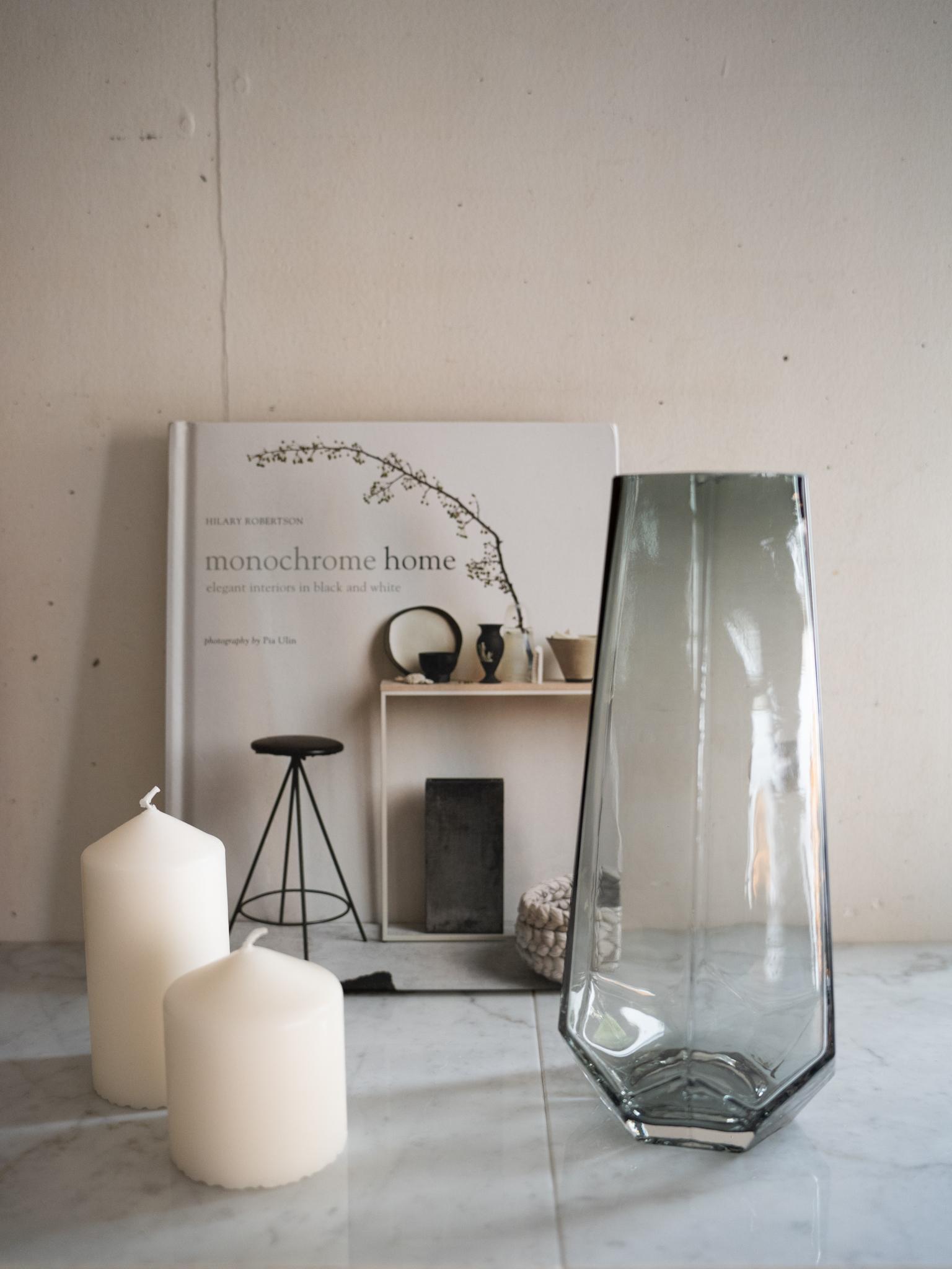 グレイガラス フラワーベース M