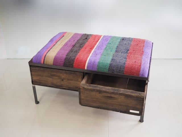 品番UNRW-109  2drawer ottoman[wide/chindy rug]