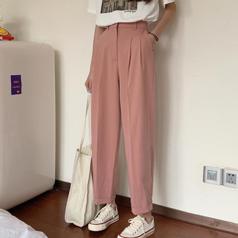 【送料無料】 おしゃれ 抜け感コーデ♡ 大人カジュアル プリント Tシャツ × タック入り スラックスパンツ セットアップ