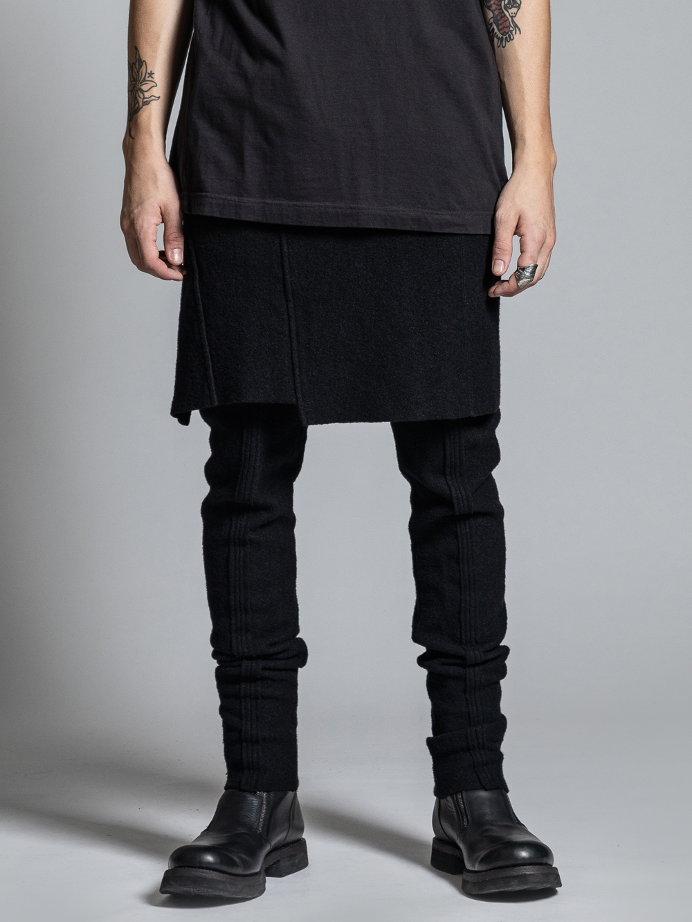 VI-2949-04 / 縮絨ウール スカート付きスリムパンツ