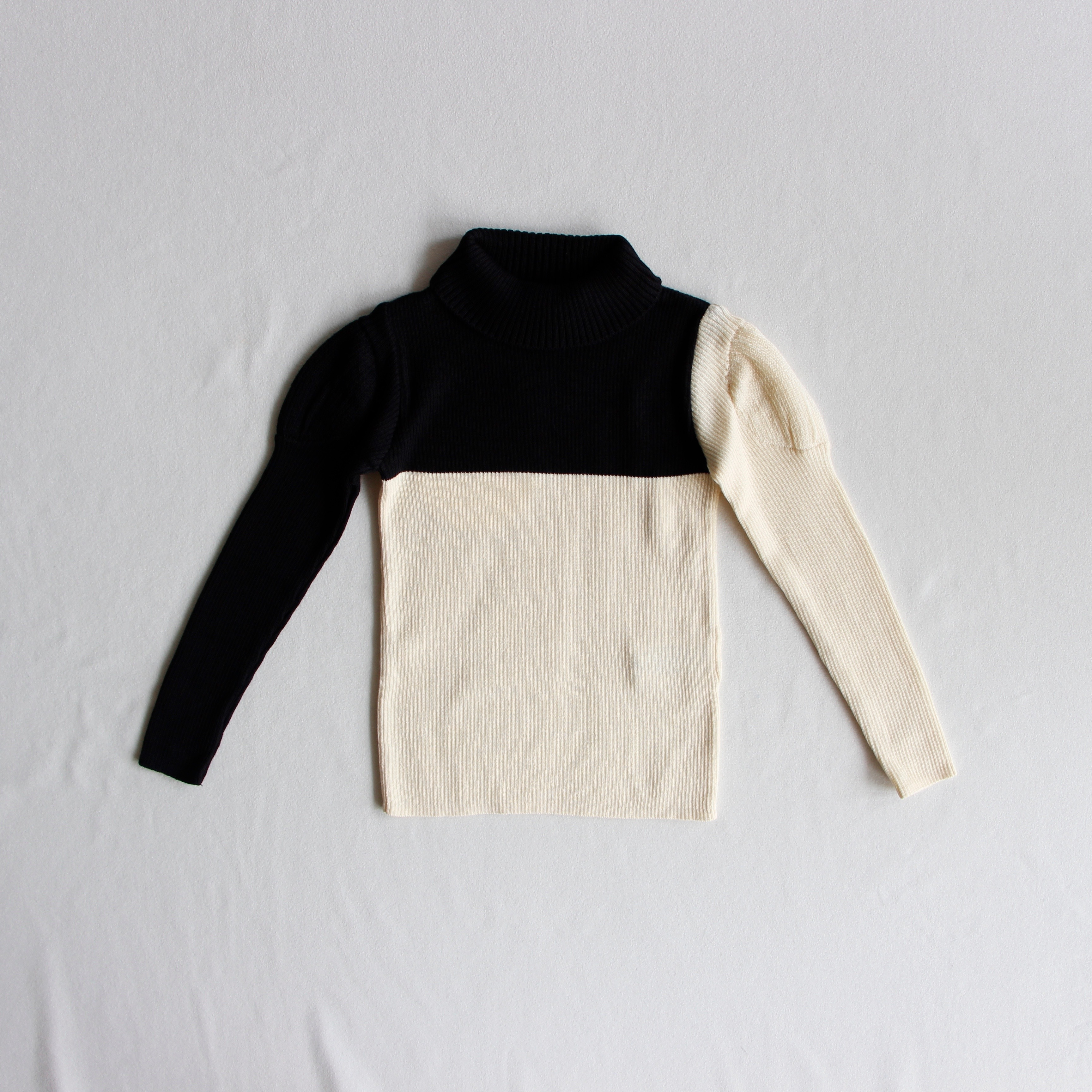 《frankygrow 2019AW》SWELL SHOULDER HIGH-NECKED KNIT / black × ivory / LL