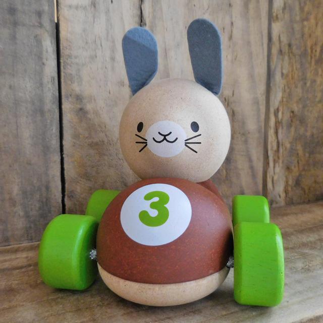 (133) プラントイ バニーレーサー 木製 うさぎ 車 玩具 おもちゃ