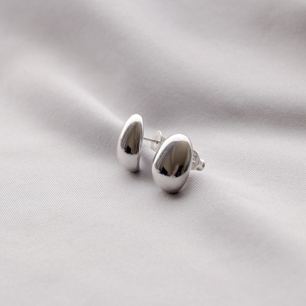 P105 / Symmetry pierce - silver (pair)