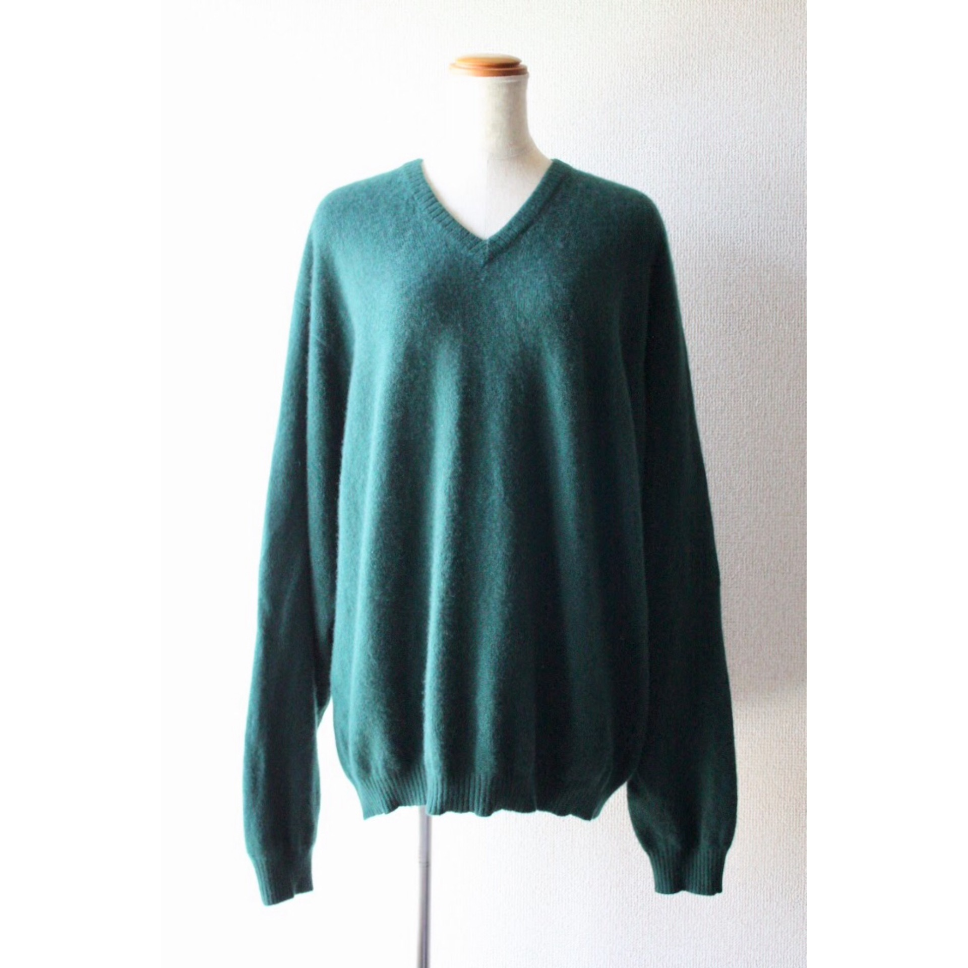 Vintage v neck cashmere sweater