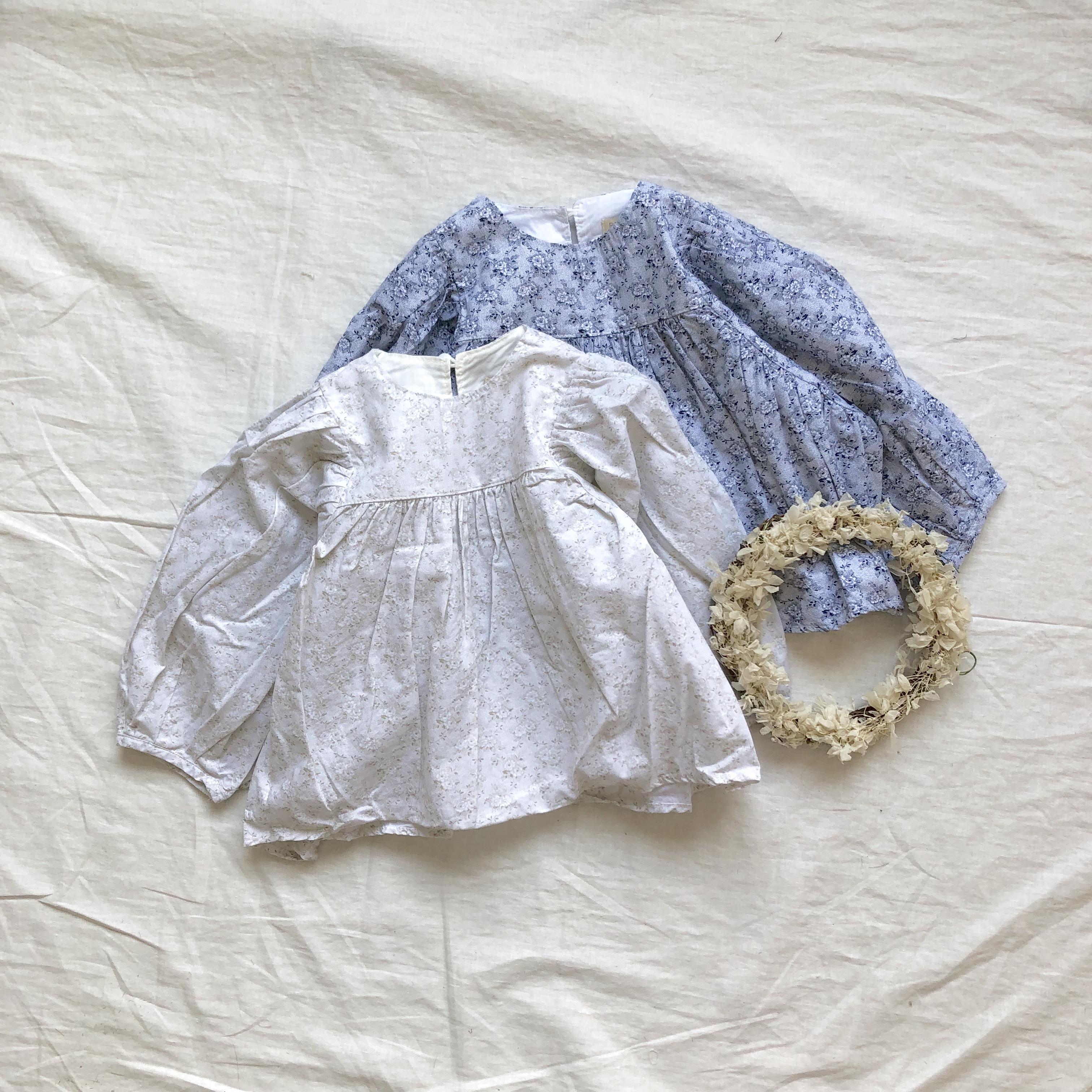 《 146 》Floral blouse