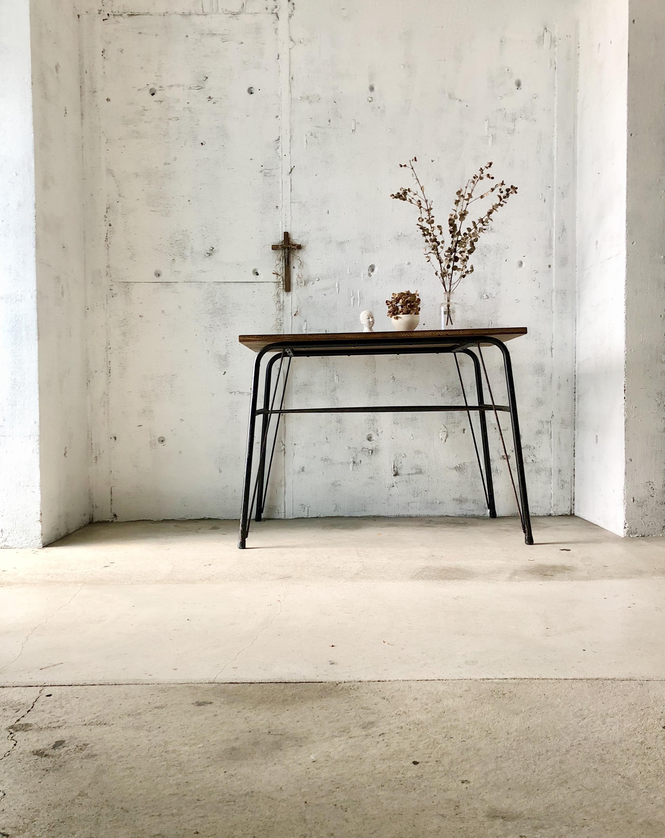 木味×アイアン脚のテーブル[古家具]