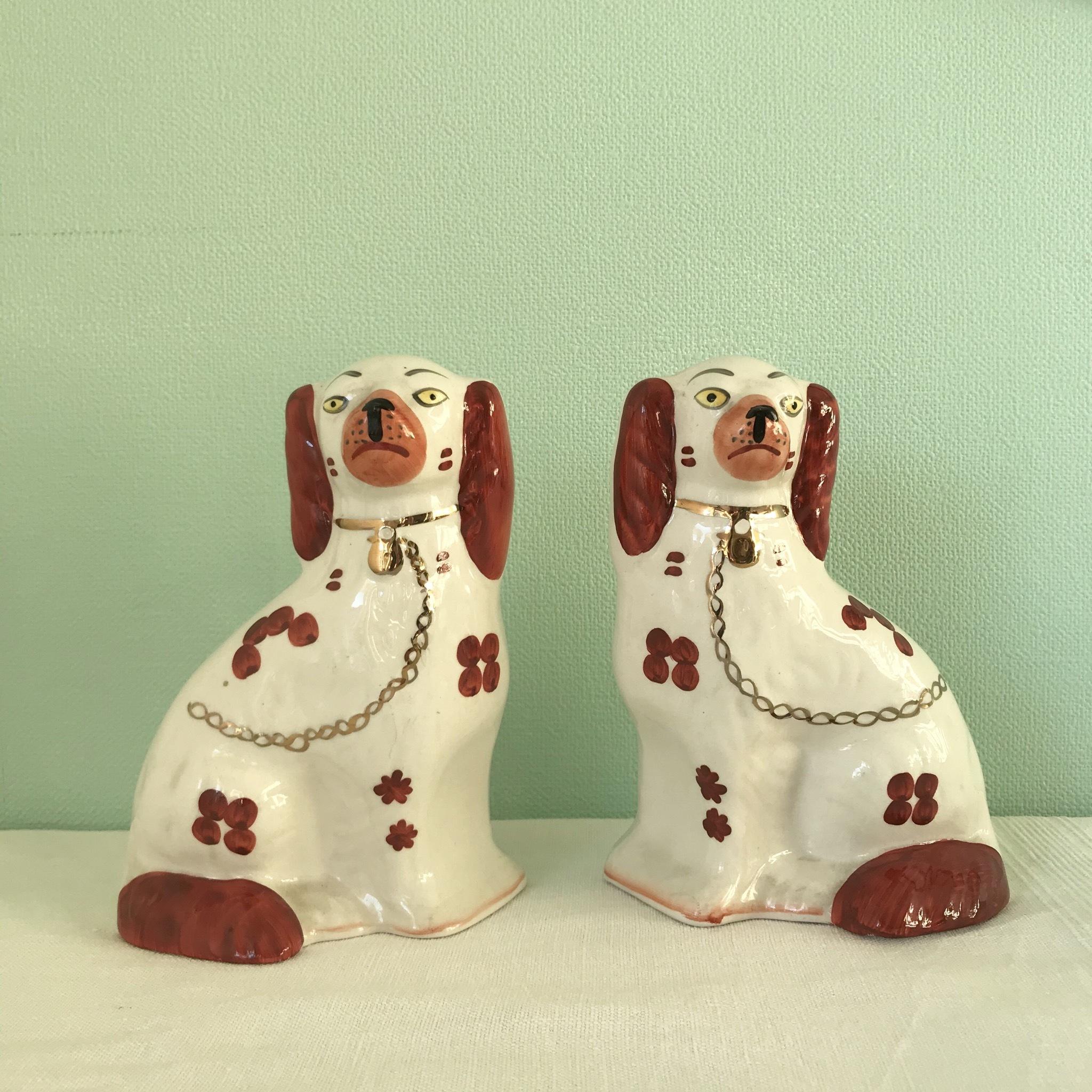 イギリス的 茶白の狛犬
