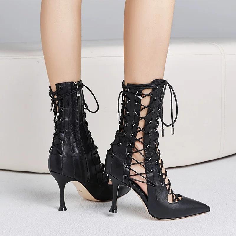 hard ribbon boots