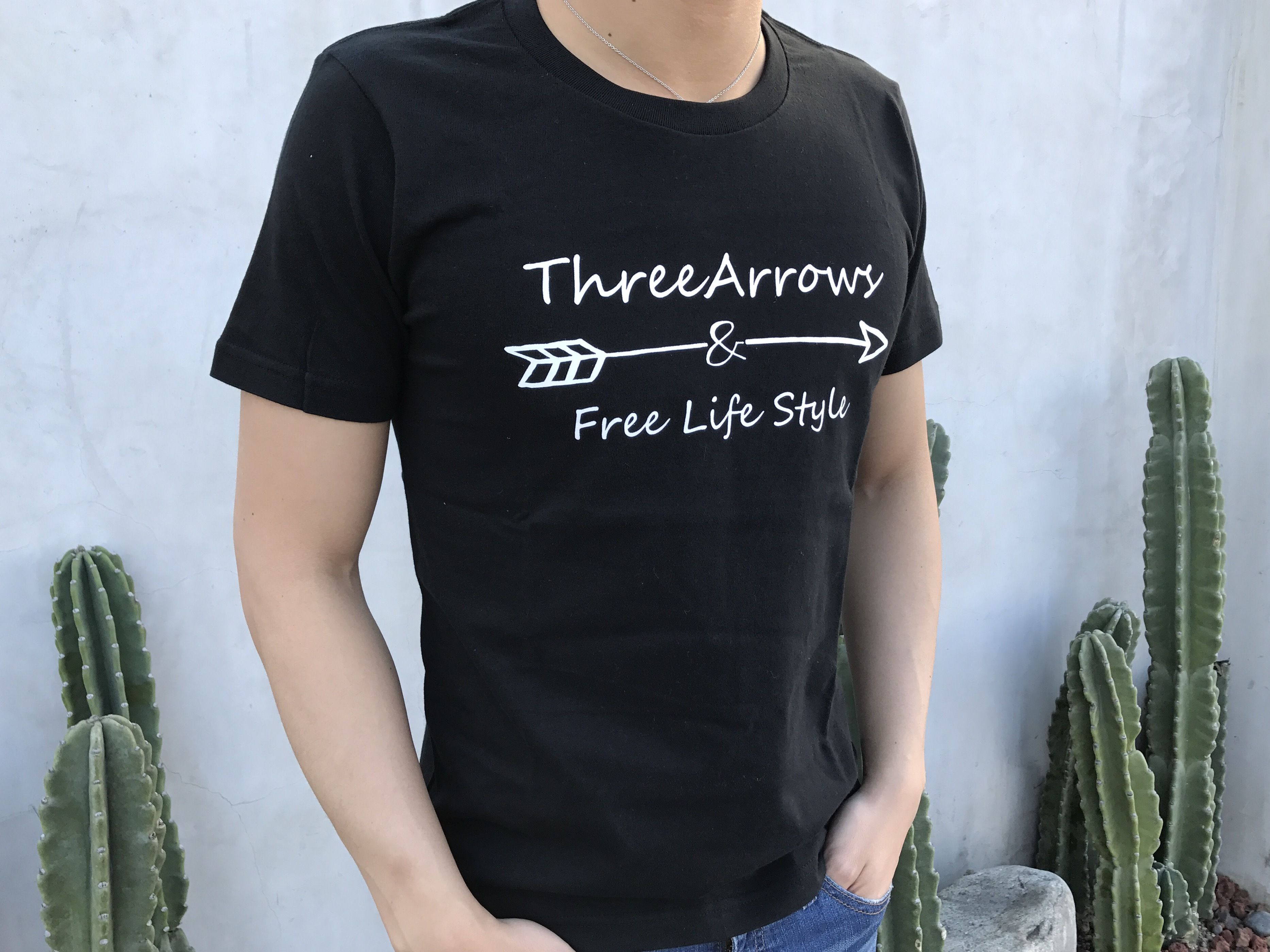 ThreeArrowsロゴ Tシャツ(black)