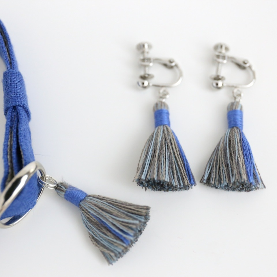 猫の首輪とイヤリングのセット