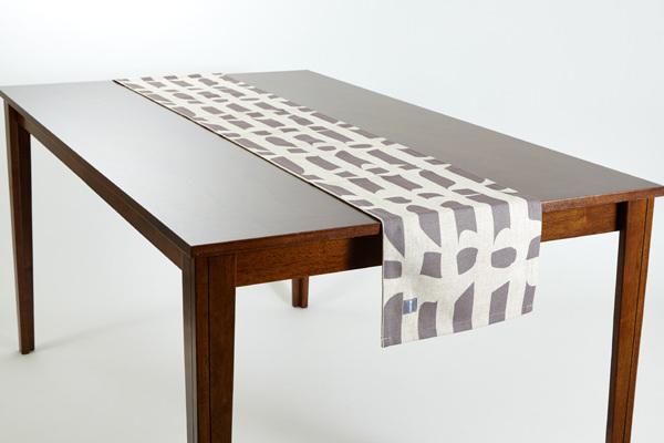 テーブルランナー グレーフロー