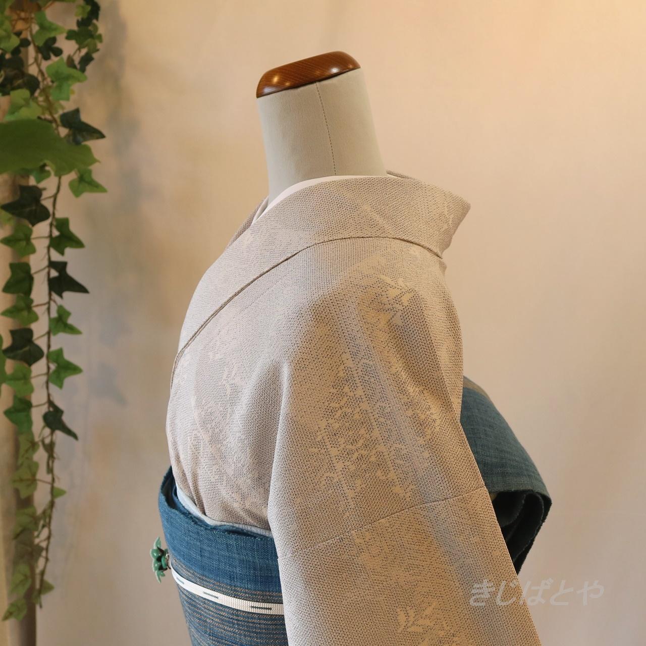 正絹紬 月白の総柄小紋 単衣
