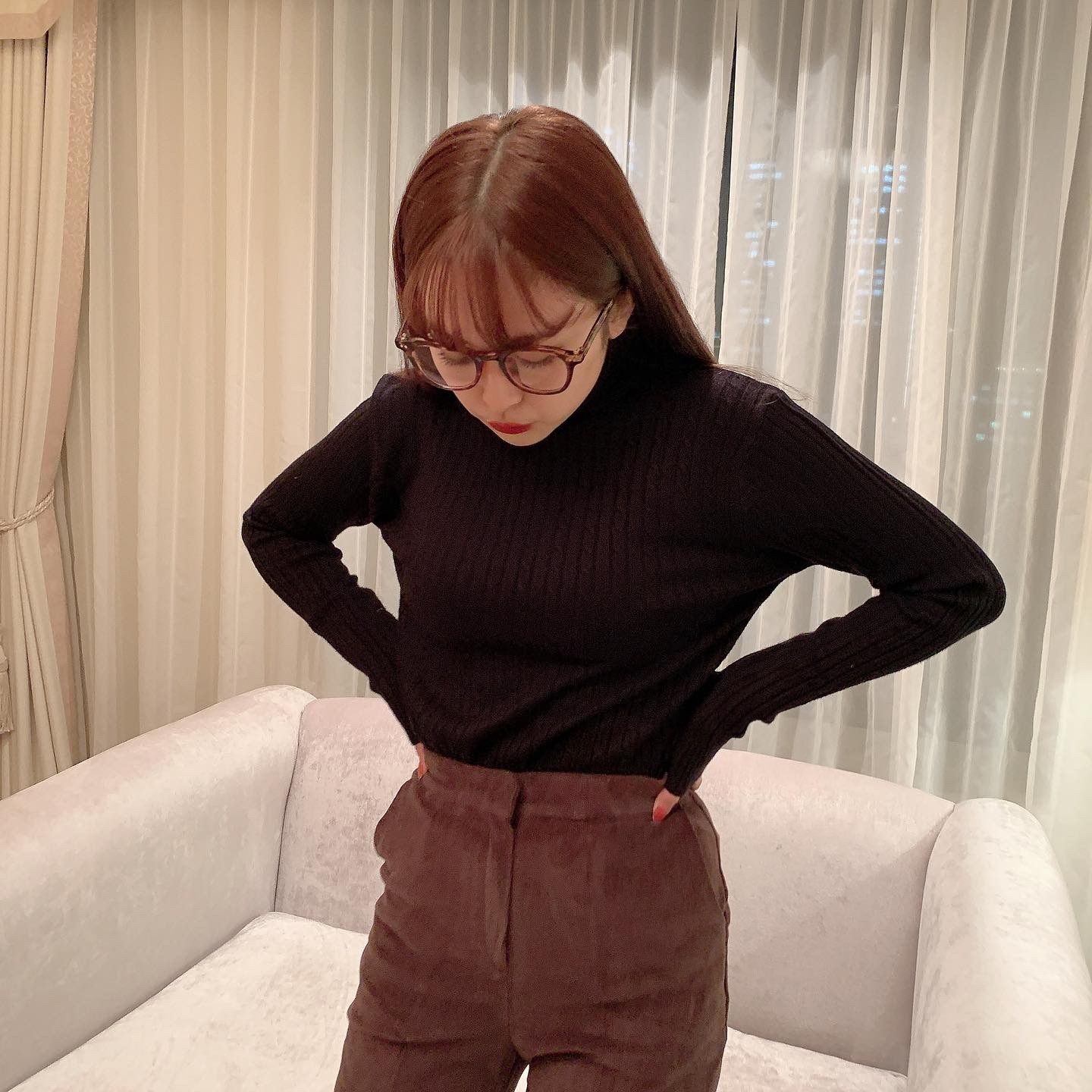 11/20 NEW fit turtle neck knit