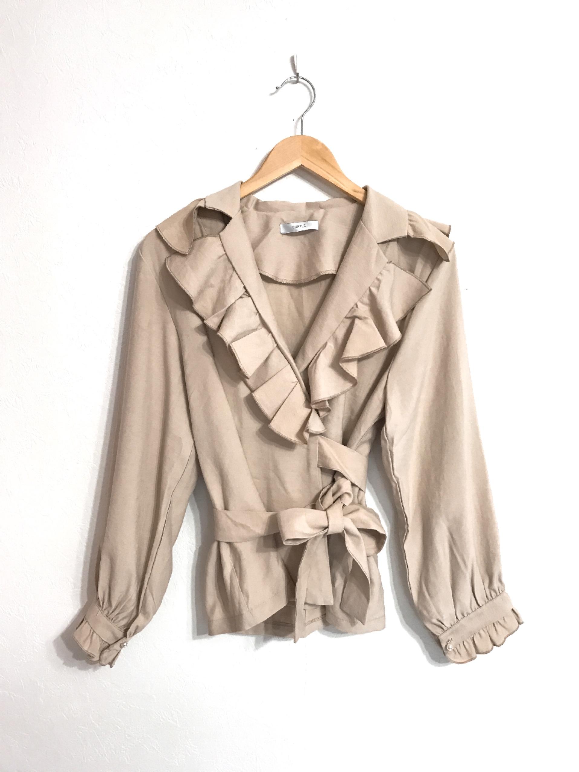 フリルのカシュクールシャツジャケット ベージュ