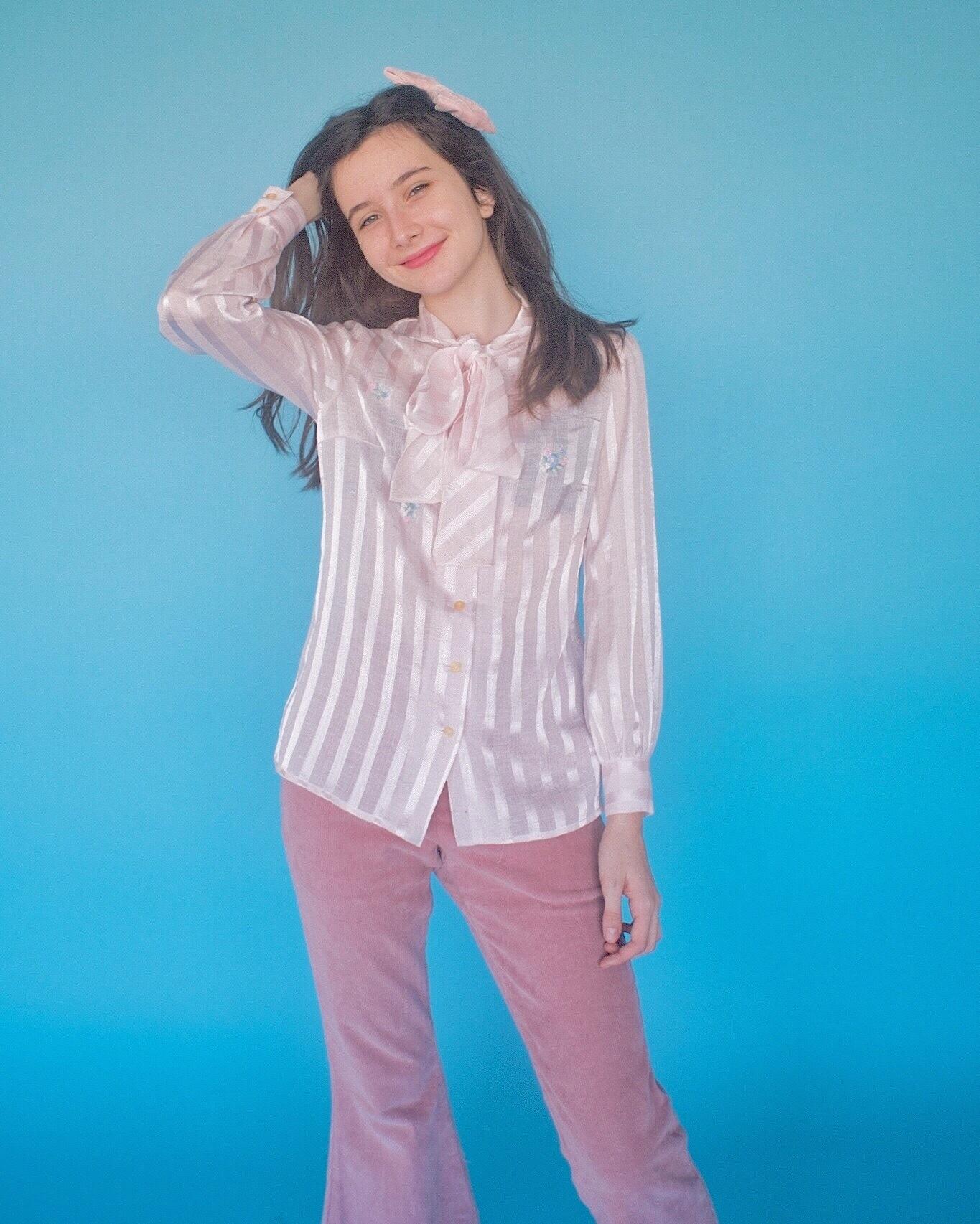 < vintage>Flower ribbon blouse