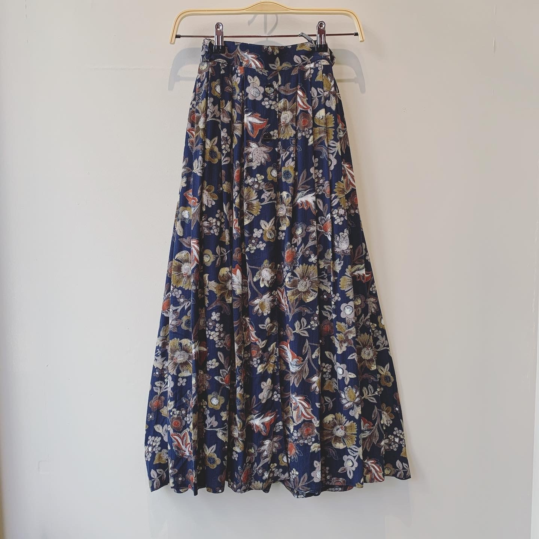 vintage flower button skirt