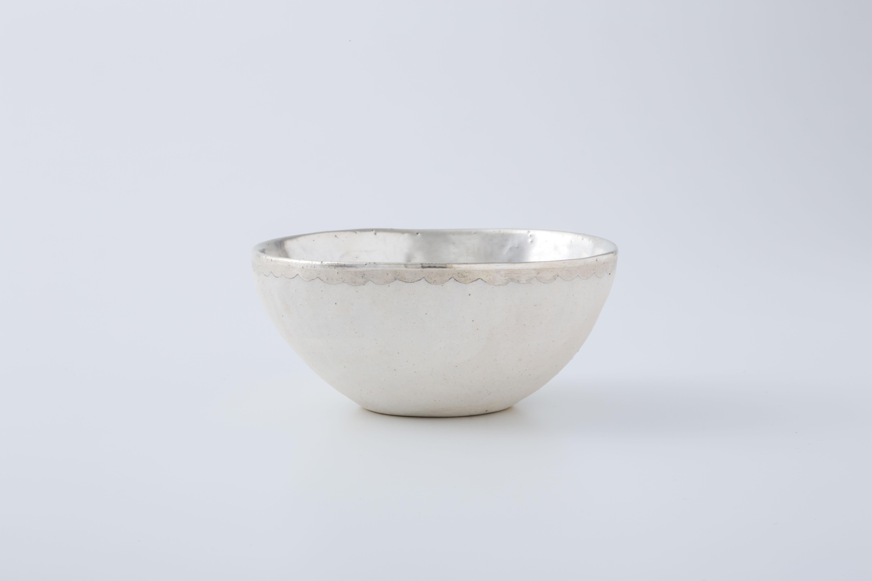 手びねりボウル:白(銀彩・縁波) / 中囿義光