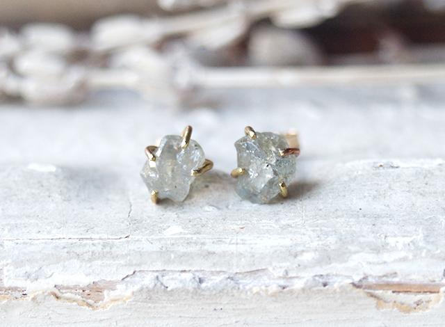【一点物】原石のサファイアのピアス