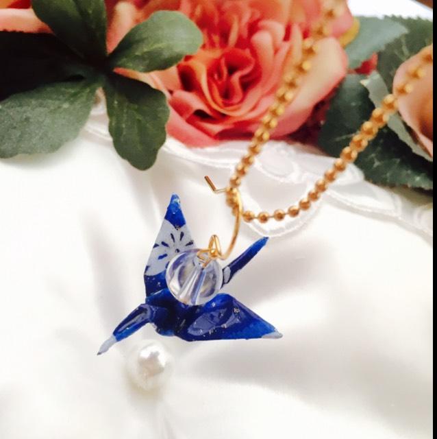藍染水晶*鶴ピアス(イヤリング)・濃紺