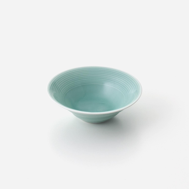 青磁線彫ねじり小鉢