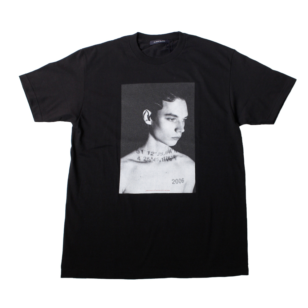ALMOSTBLACK X IDEA BY SOSU Exclusive Print Tee Black