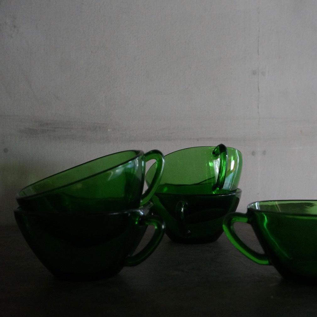 古いフランスのガラスカップ
