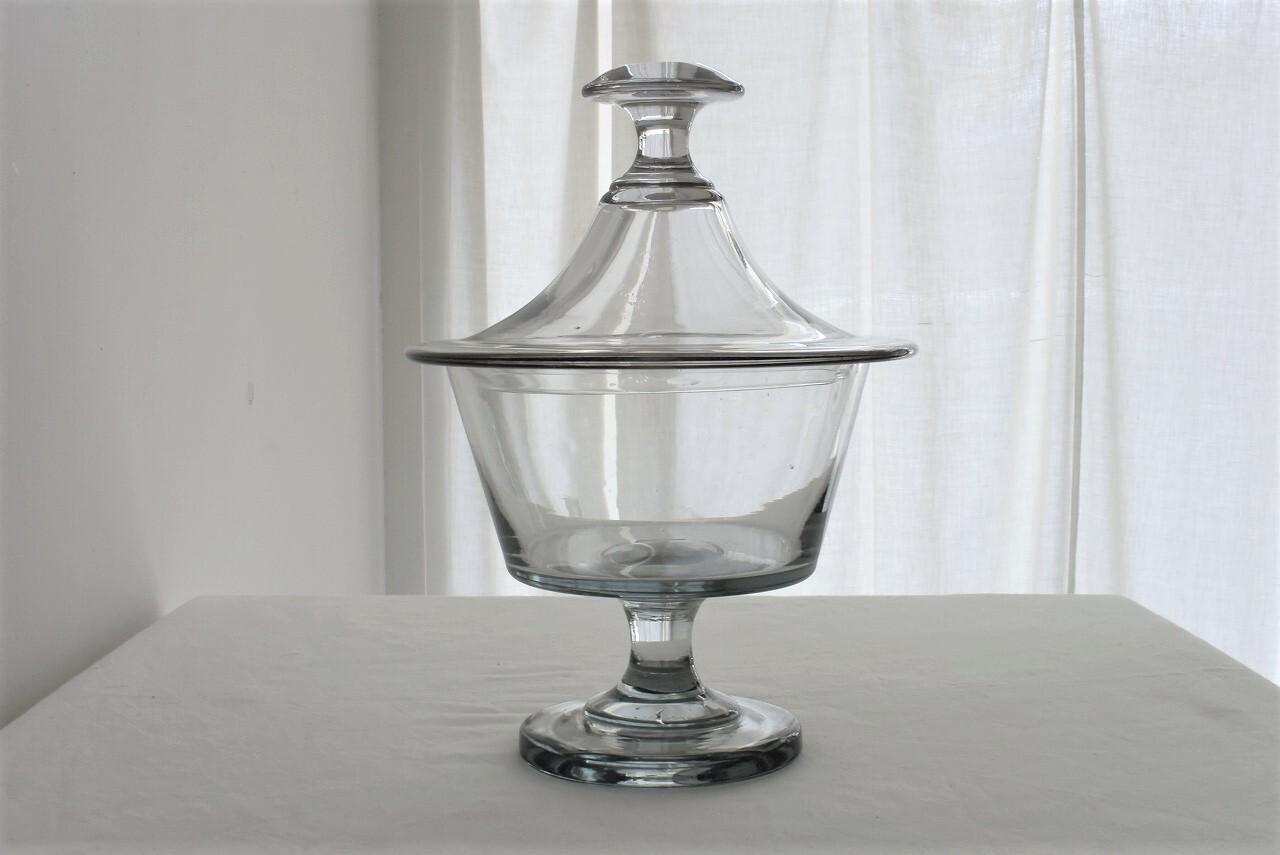 アンティークガラスの脚付きポット