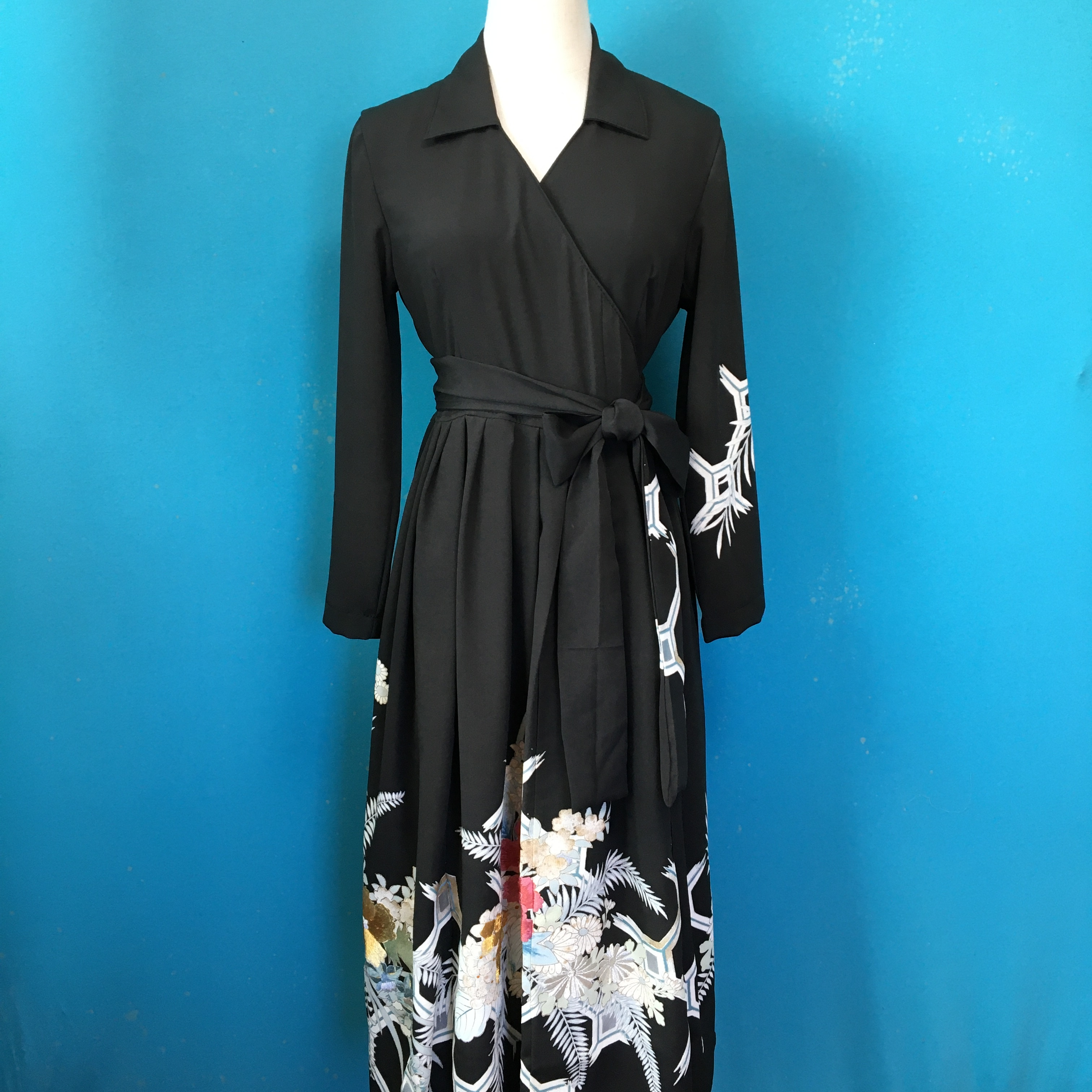 Vintage black kimono wrap dress/ US 8