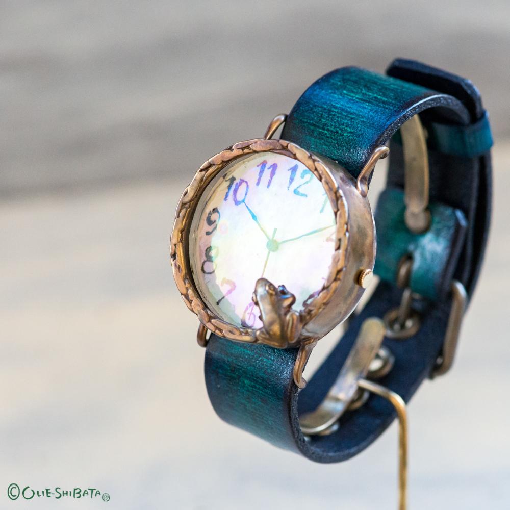 【T様専用ページ】池をのぞく蛙達の置時計Lオーロラ