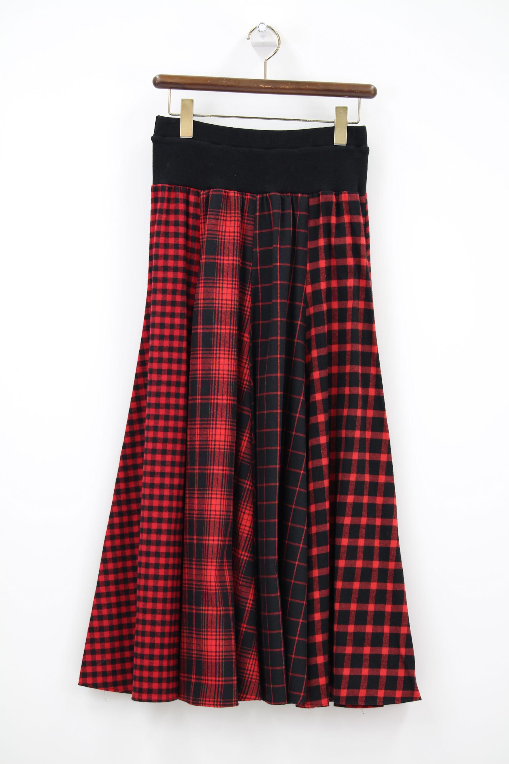 赤チェックロングスカート