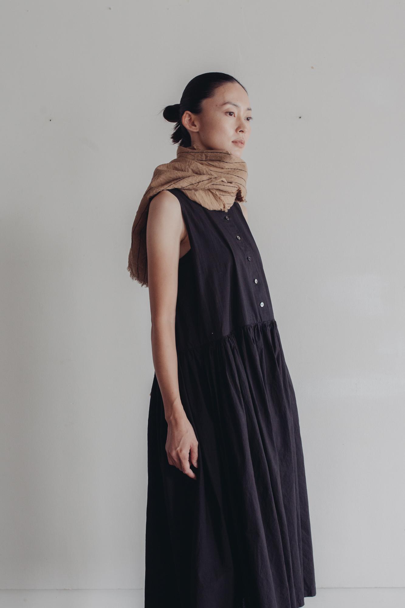 01532-2 yarn dye linen muffler / beige
