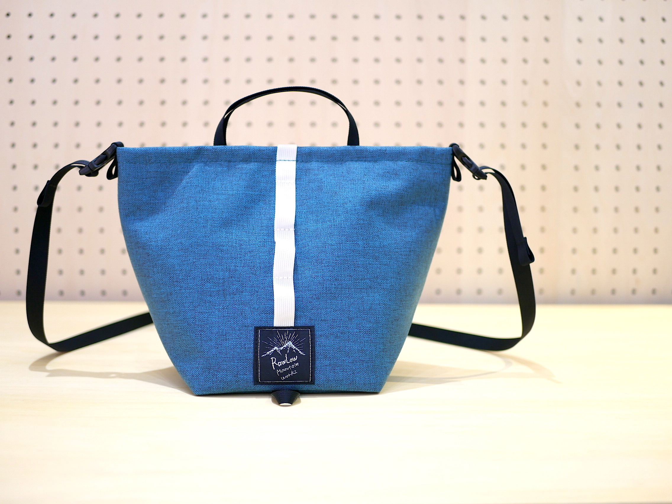 RAWLOW MOUNTAIN WORKS / TABITIBI TOTE(TURQUOISE BLUE)