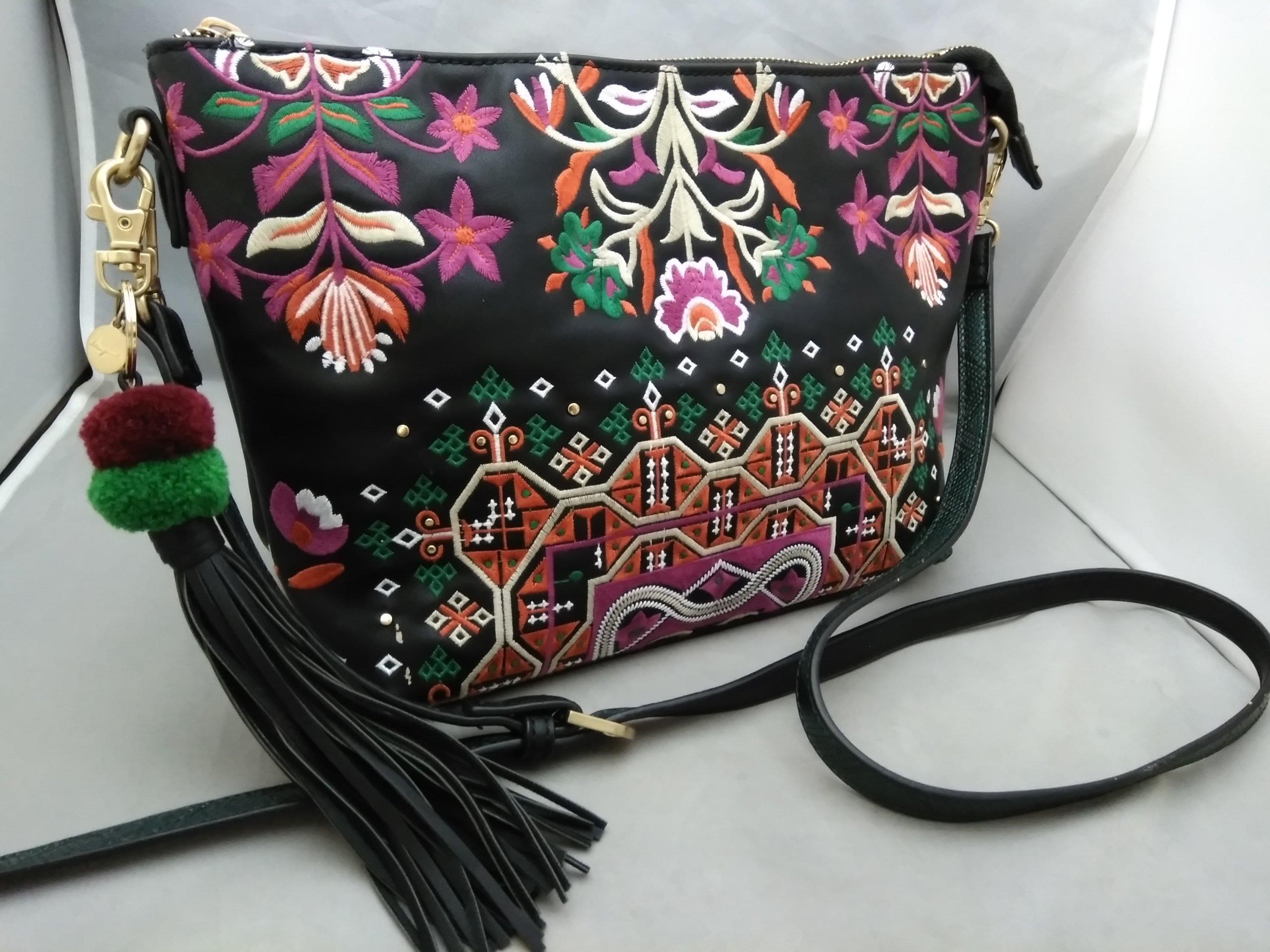 デシグアル desigual 刺繍 ショルダーバッグ 黒 u1177a