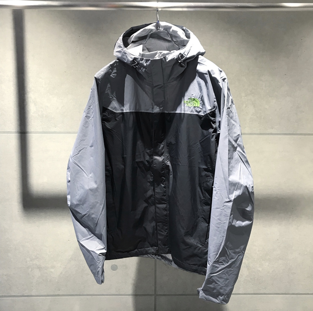 THE NORTH FACE VETURE JKT / GRAY