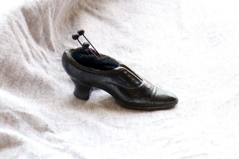 【フランス】靴のピンクッション