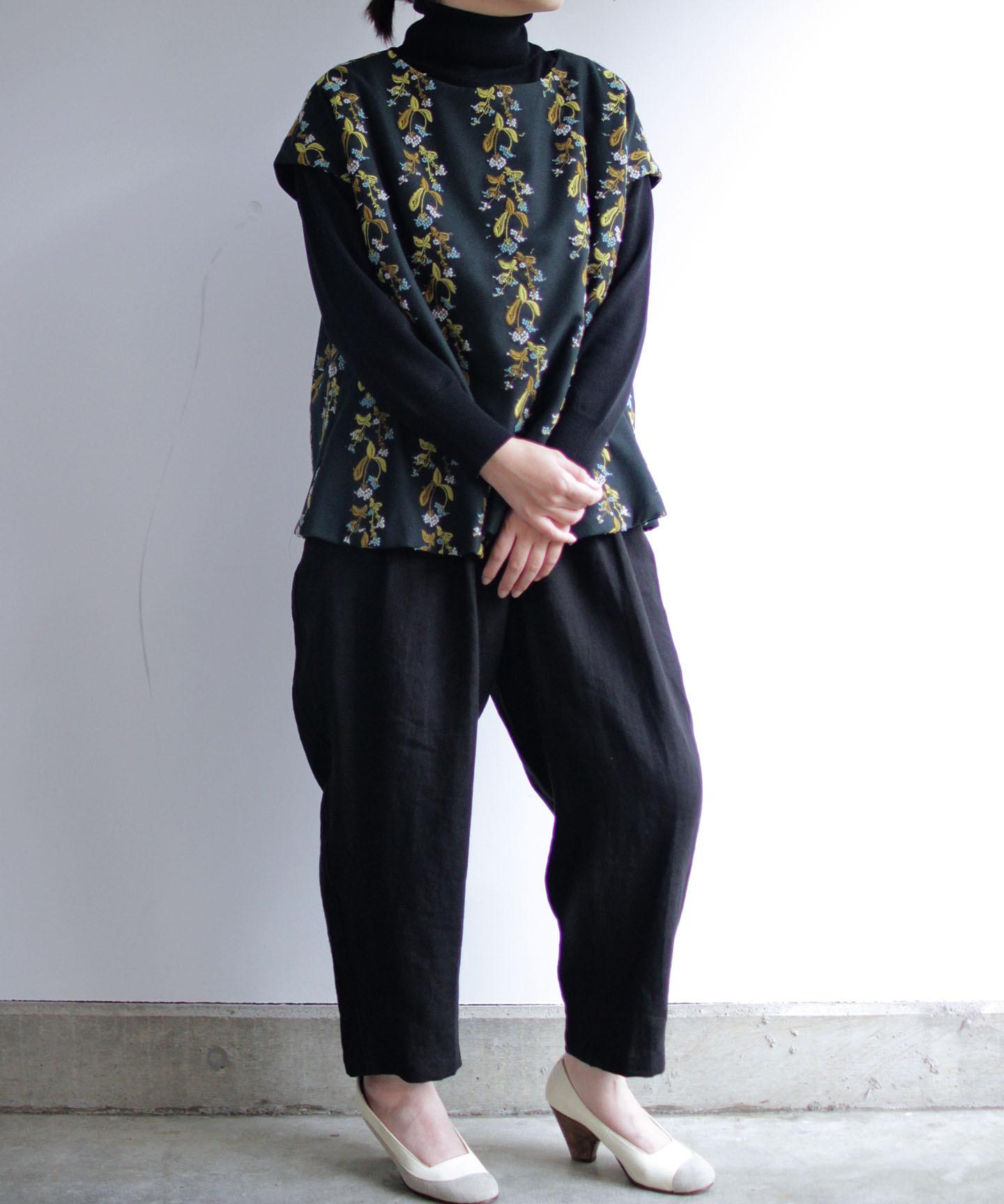 撫菜刺繍のゆったりプルオーバー  ダークグリーン (evh935-GRN)