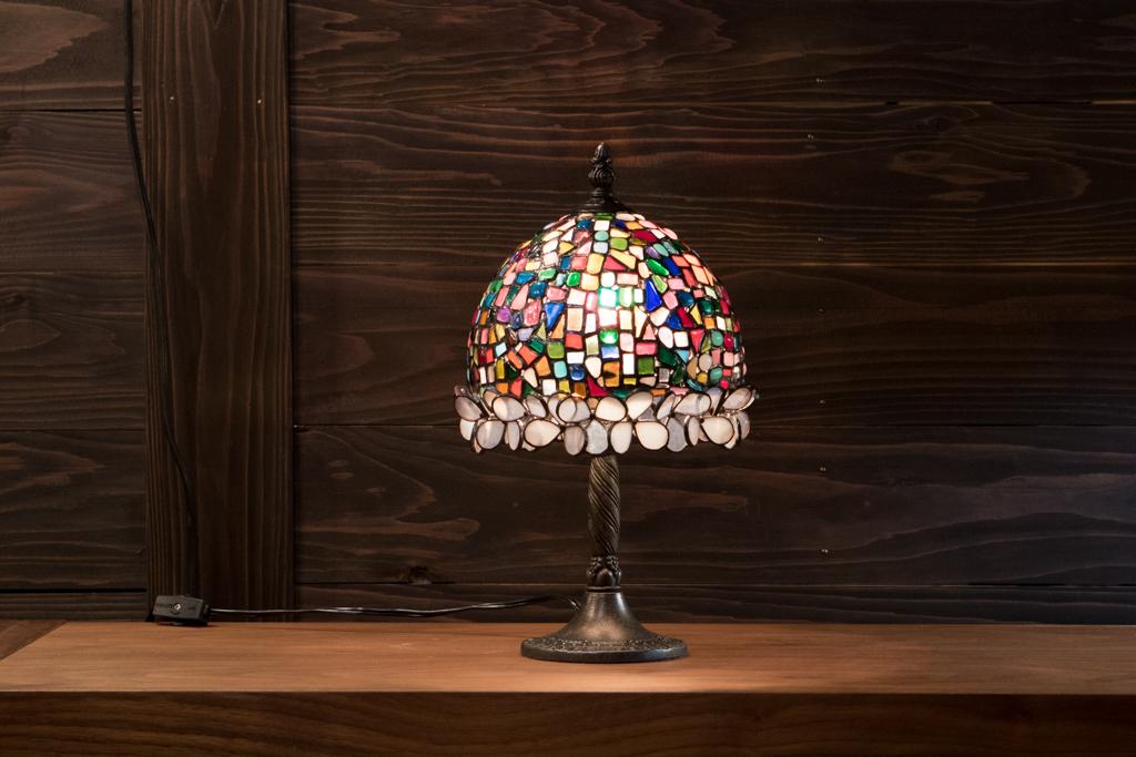 星をちりばめたランプ(白花)(ステンドグラスのテーブルランプ) 01020201