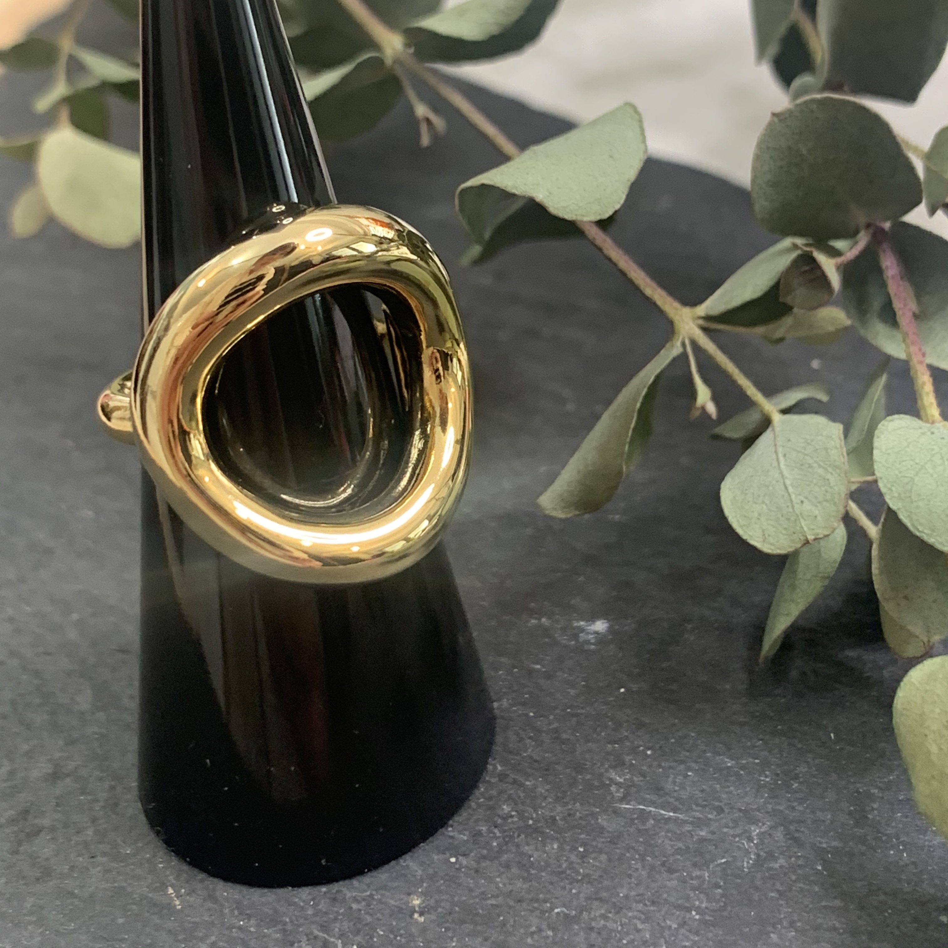 big round ring