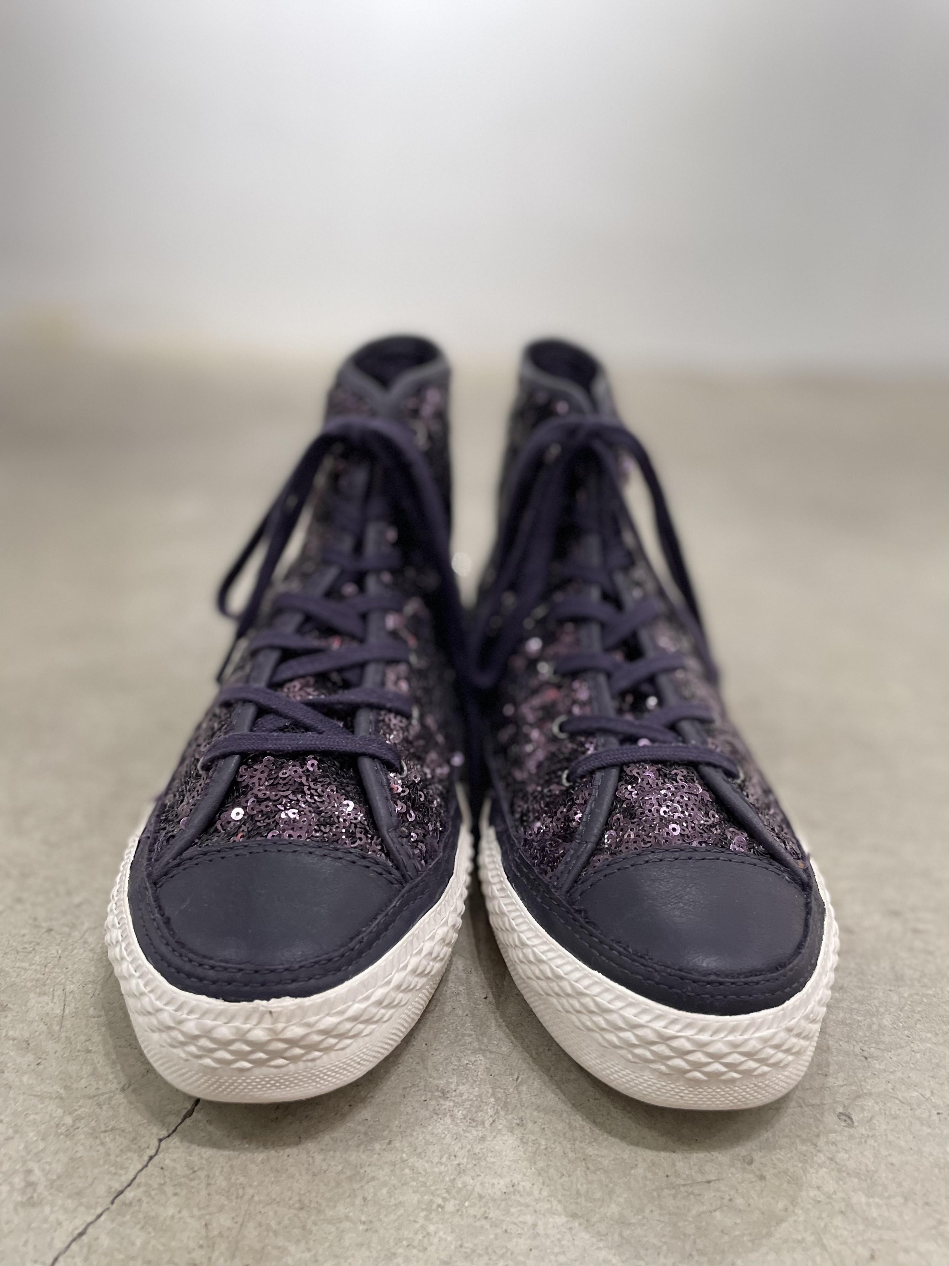 "old ""Converse"" purple spangle sneaker"