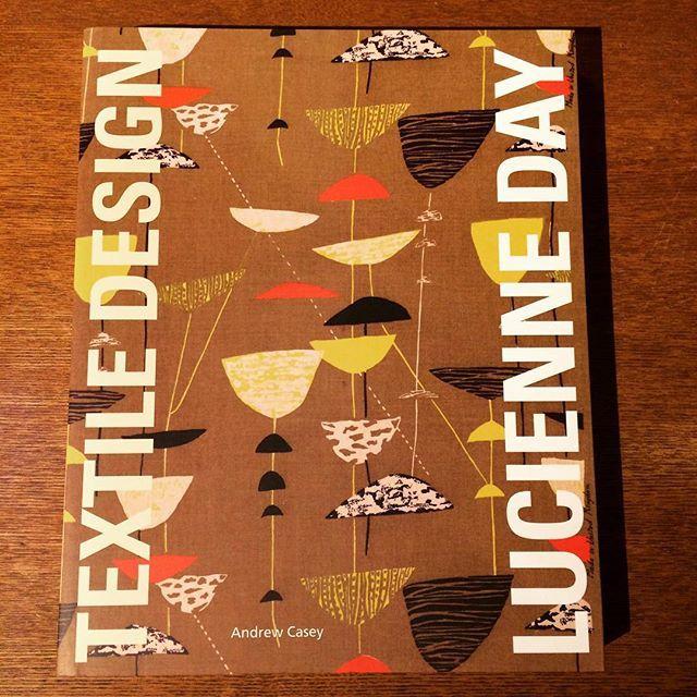 デザインの本「Lucienne Day: Textile Design」 - 画像1