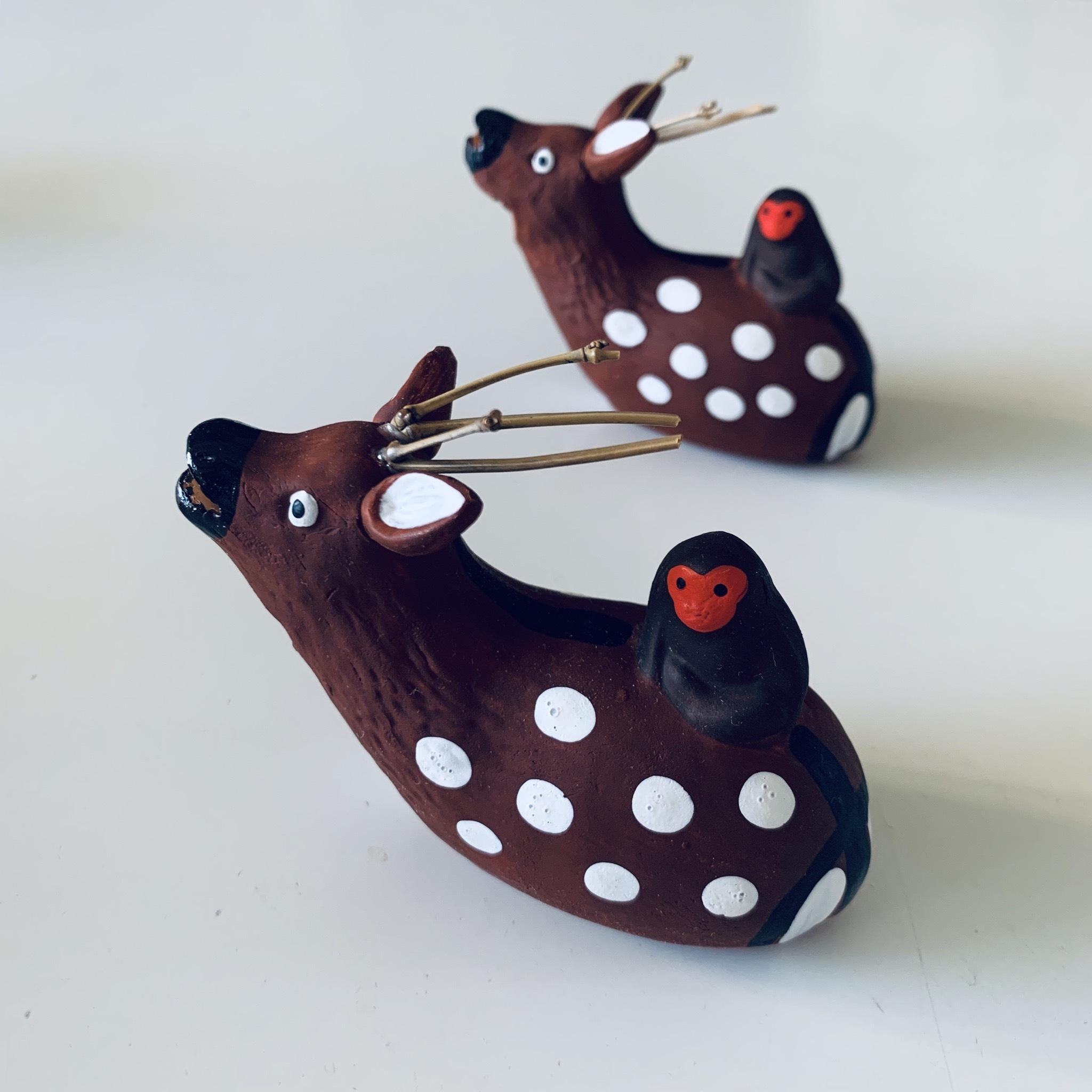手仕事で作られた鹿猿笛 (宮島)