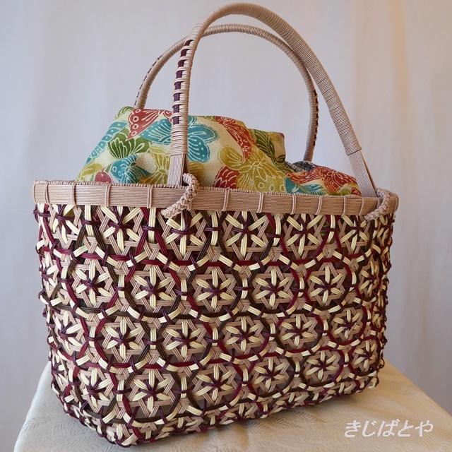 かごバッグ ベリー色の牡丹華編みのバッグ