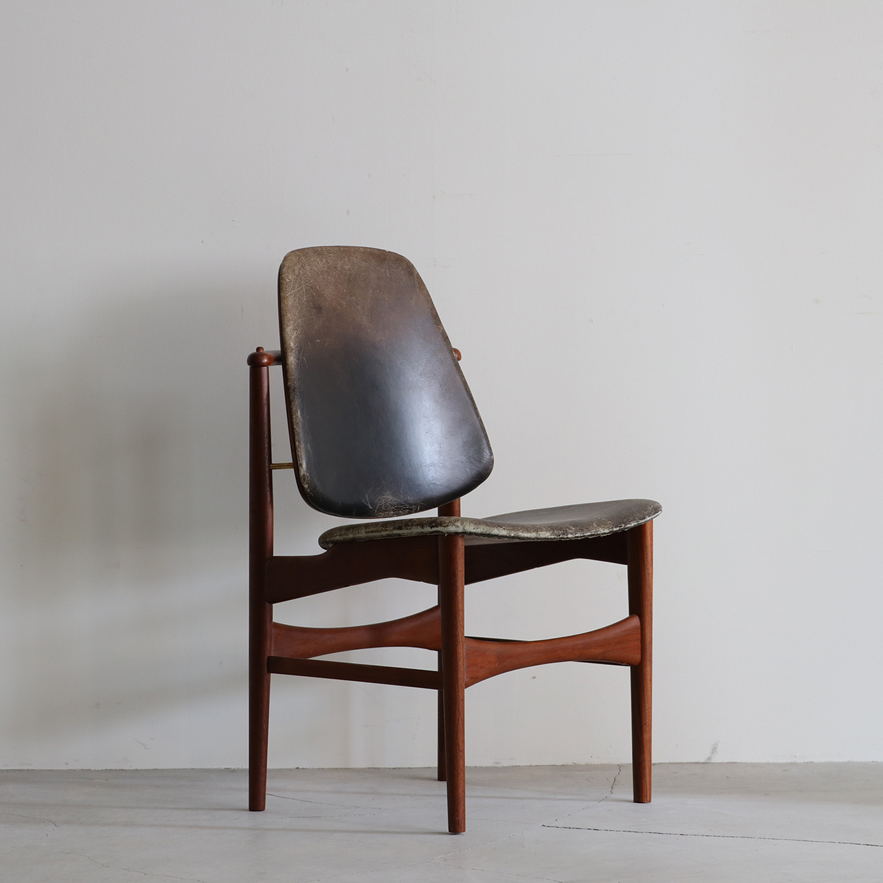 Dining chair / Onsild Møbelfabrik / Arne Hovmand-Olsen
