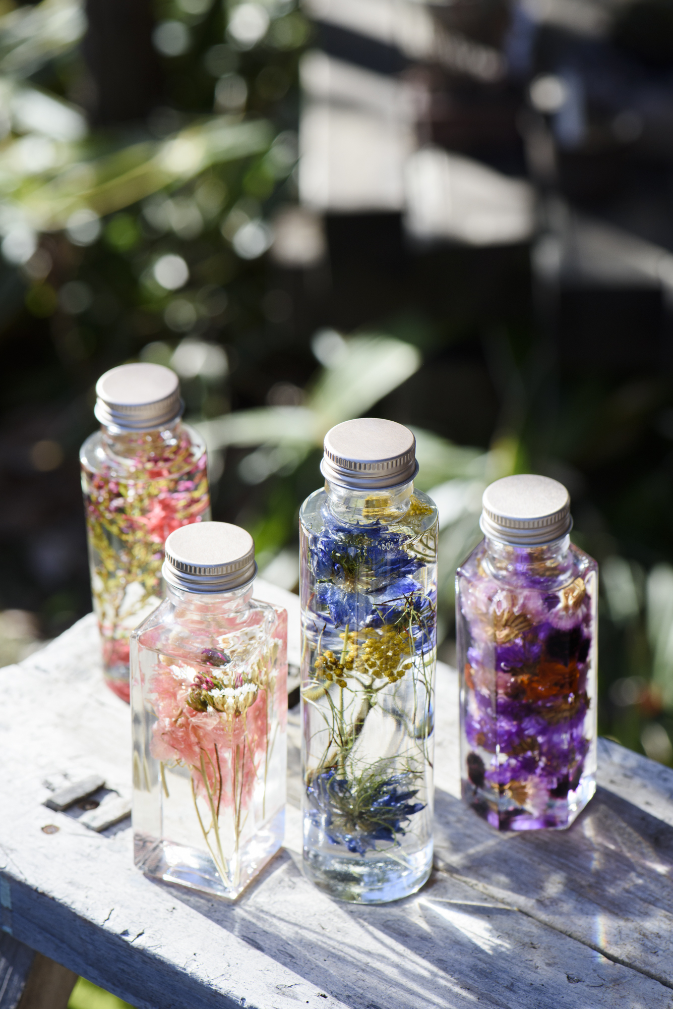 [書籍]『ハーバリウム―美しさを閉じこめる植物標本の作り方: お手入れ不要、長く飾って楽しめる花の雑貨』 - 画像2