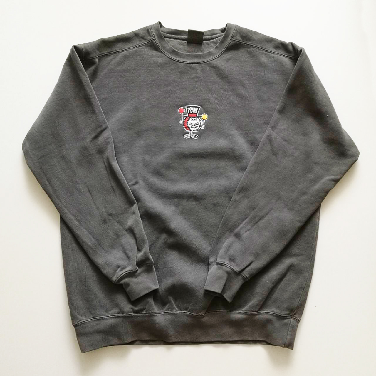 "PRANK ""DUM DUM"" CREW NECK SWEAT"