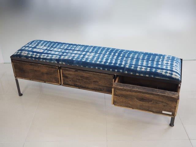 品番UAI3-105  3drawer ottoman[nerrow/African indigo batik tribal]