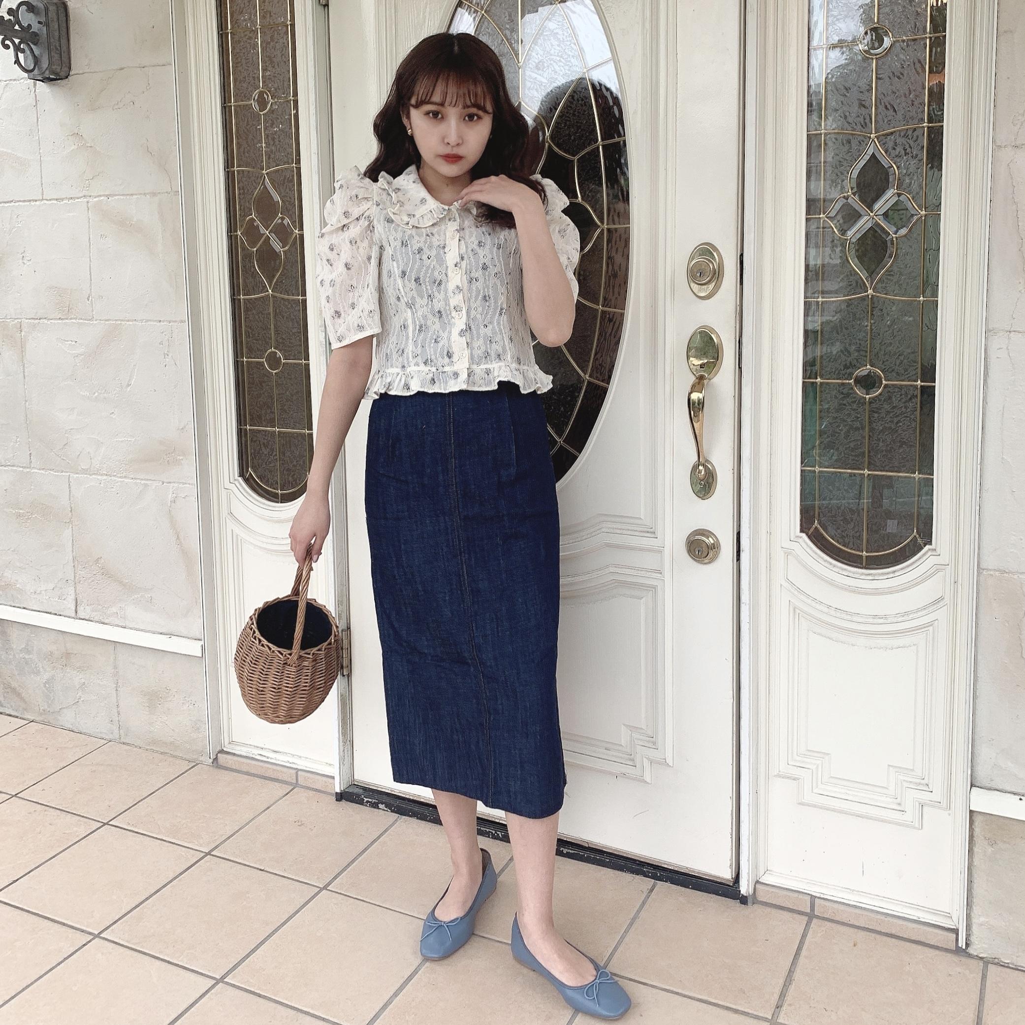 feminine floral blouse